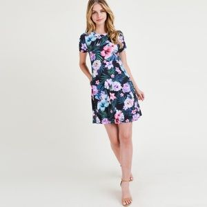 Dresses & Skirts - Floral print dress